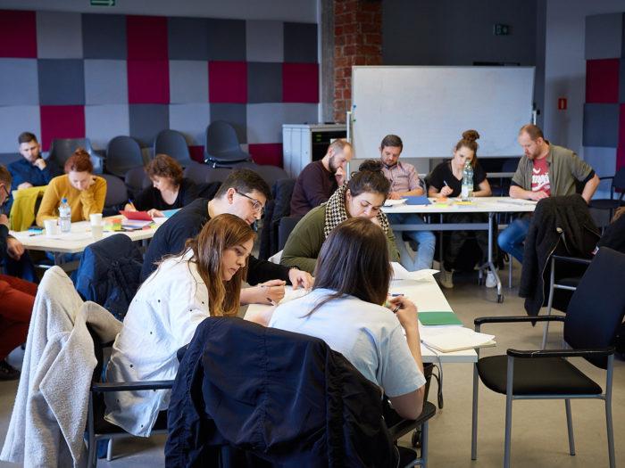 Uczestnicy warsztatów UX dla początkujących przy pracy (Kraków 2018)